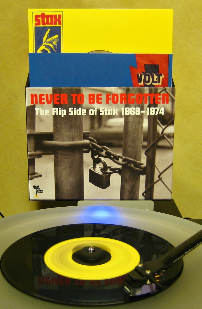 Various - Never To Be Forgotten: The Flip Side of Stax 1968-1974 (2012)