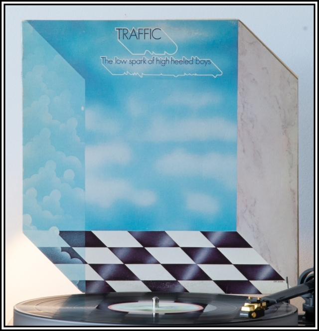 1674 - Traffic - The Low Spark Of High-Heeled Boys (US)(Front)
